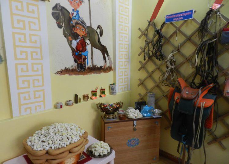 """DSCN2255-750x536 15-р цэцэрлэгт өв уламжлалаа шингээсэн """"Монгол өргөө"""" үүдээ нээлээ"""