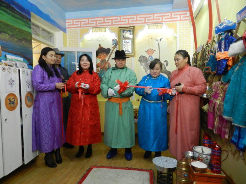 """DSCN2283-e1519717651770 15-р цэцэрлэгт өв уламжлалаа шингээсэн """"Монгол өргөө"""" үүдээ нээлээ"""
