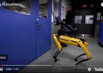 Робот-нохой хүнтэй өрсөлджээ